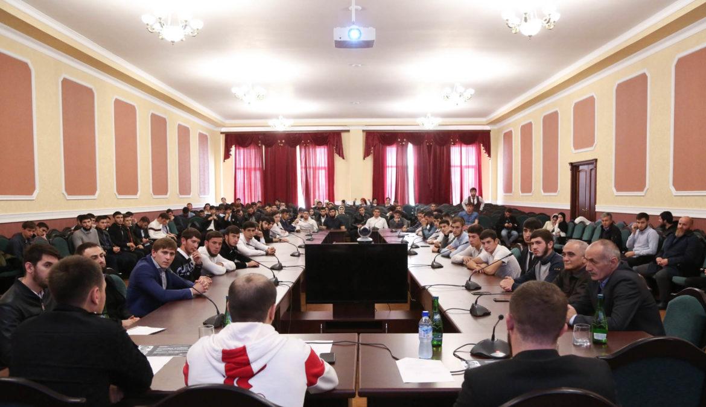 В ЧГПУ прошла встреча студентов с известными спортсменами