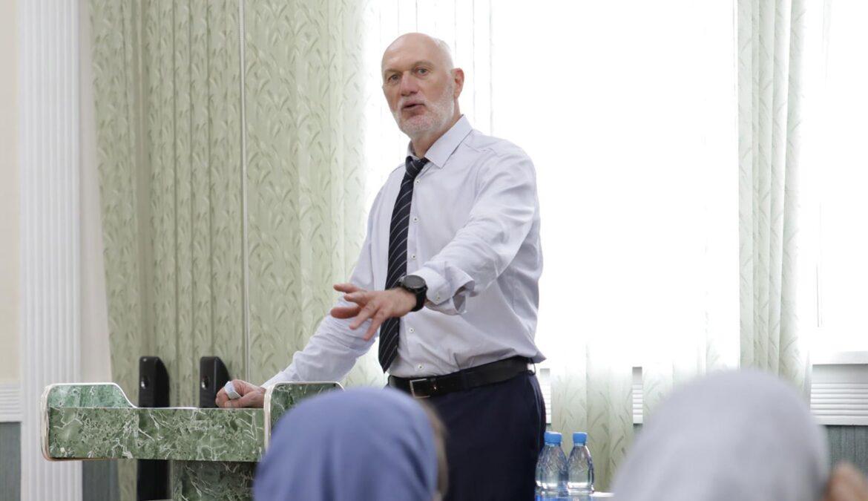 В ЧГПУ стартовал курс лекций Канты Ибрагимова