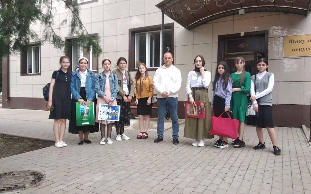 В Творческой мастерской ЧГПУ прошел мастер-класс для учащихся ГБУ ДО «Центральная школа искусств №1» г. Грозного.