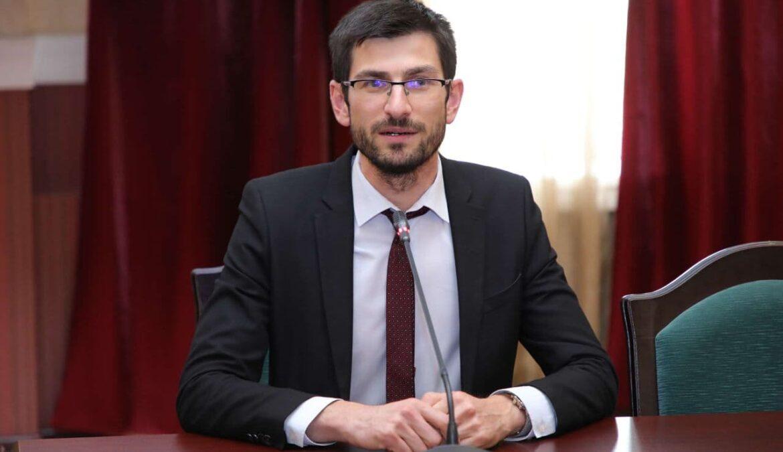 Алихан Динаев принял участие в заседании оргкомитета конкурса «Учитель года России 2021»