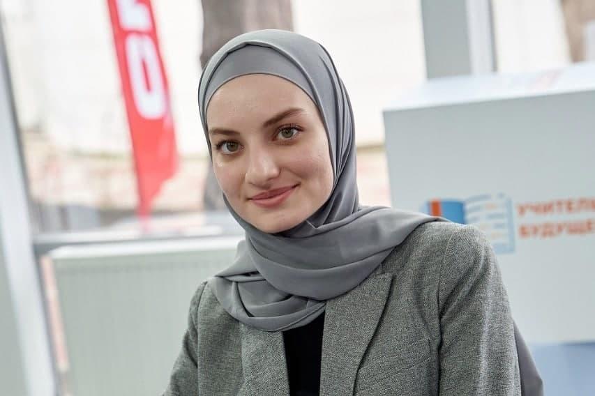 Мутаева Хеда провела мастер-класс на тему «Конструктор идей как инструмент эффективной работы со школьниками»