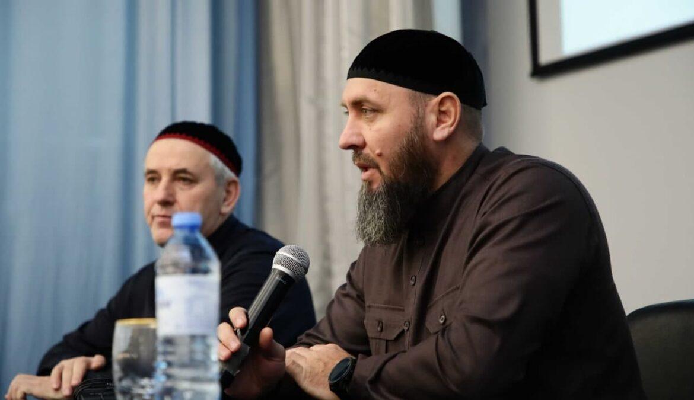 В ЧГПУ прошла встреча студентов с Асланом Абдулаевым